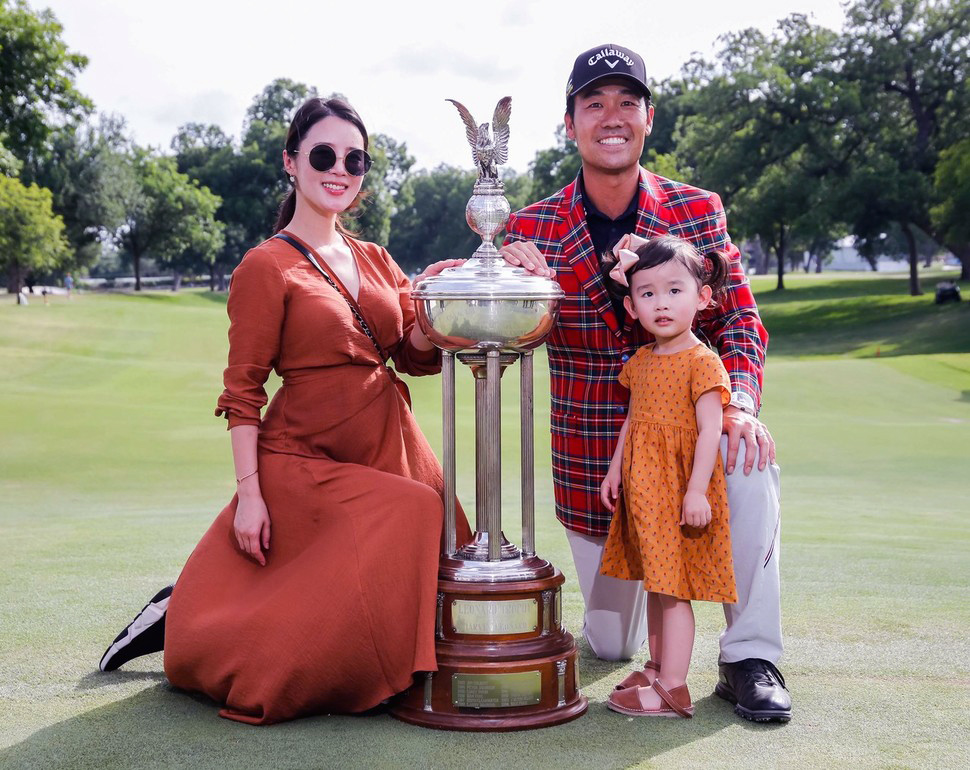 Kevin Na and his family